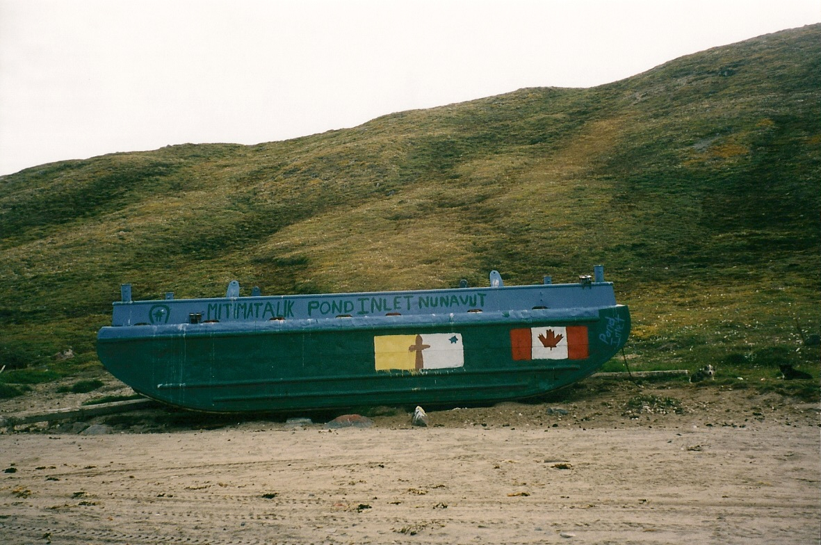 Download the full-sized image of Pond Inlet, Nunavut -- photograph