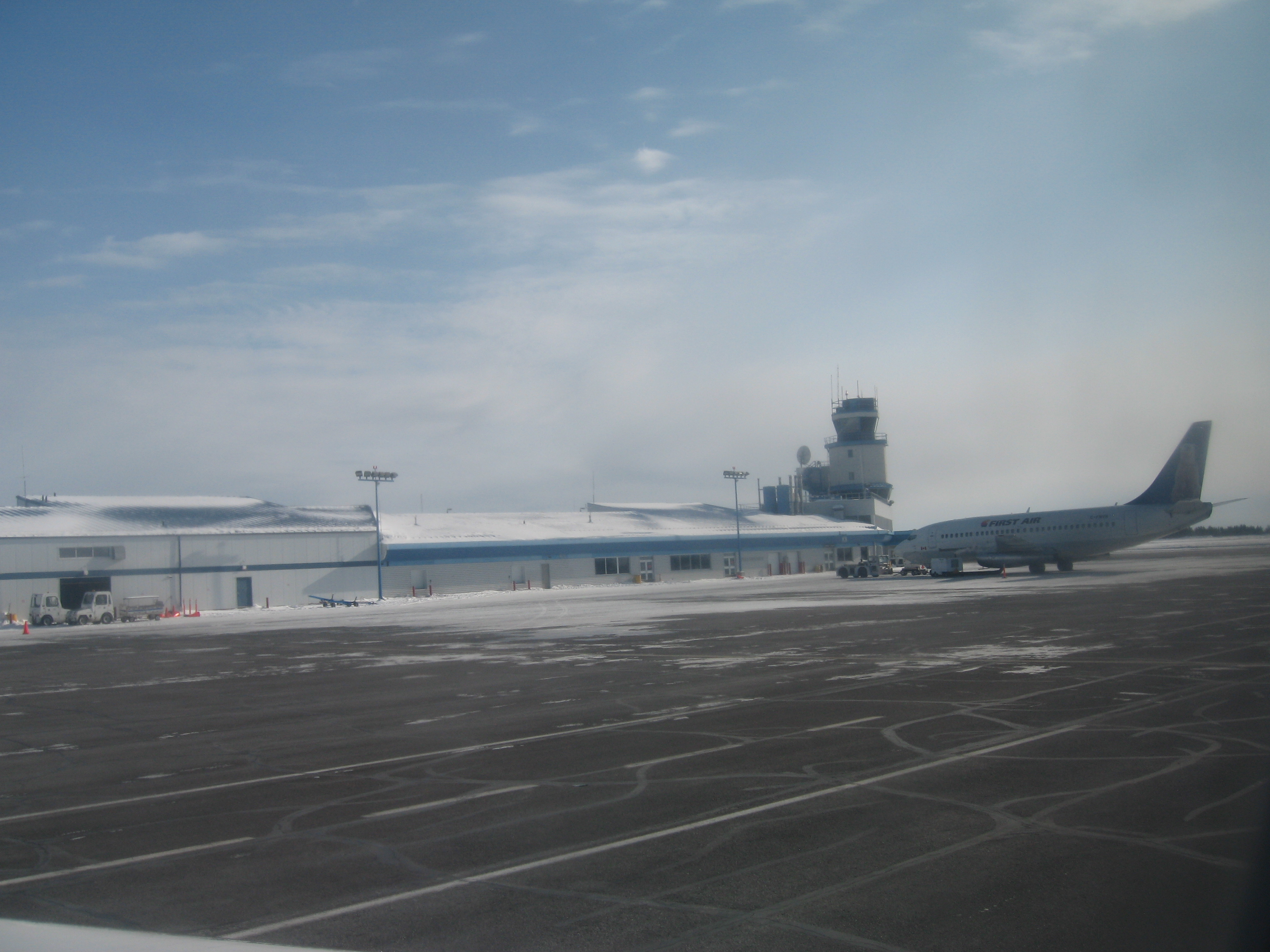 Download the full-sized image of Yellowknife Airport -- photograph