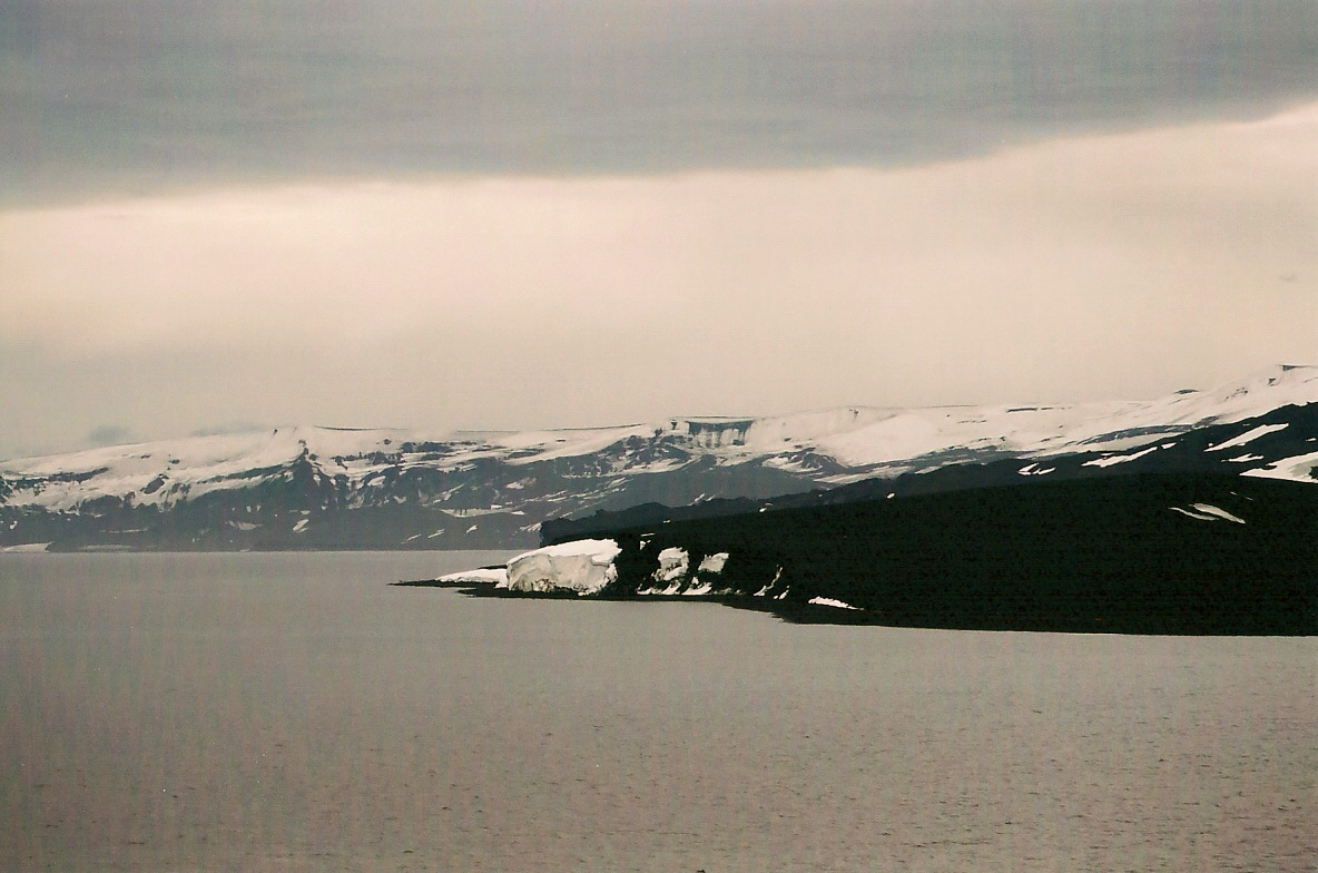 Download the full-sized image of Deception Island -- photograph